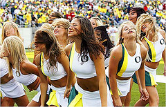 Oregon Duck cheerleaders