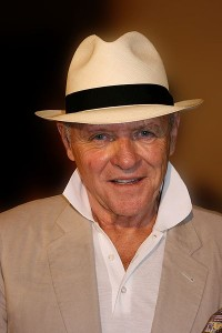 Anthony Hopkins looking slimmer in 2009