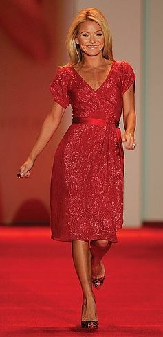 Kelly Ripa, taken at the 2007 Red Dress Collection for the Heart Truth foundation.
