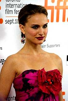 Natalie Portman at the premiere gala for Love and Other Impossible Pursuits at the 2009 Toronto International Film Festival. Source: http://www.flickr.com/photos/92249513@N00