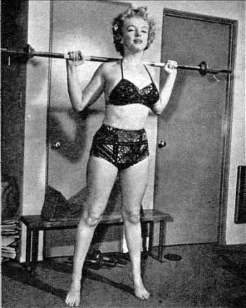 Marilyn Monroe squats