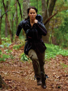 Jennifer Lawrence running in Hunger Games