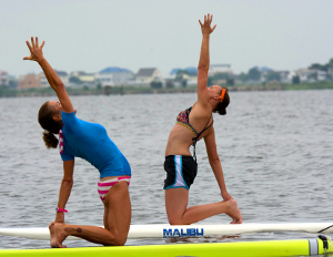 SUP Yoga by Neal bepko - Flickr CC